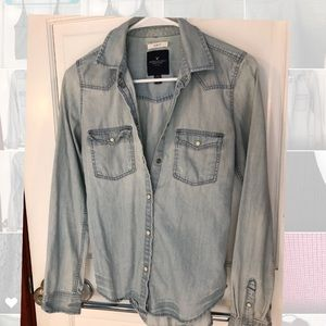Slim Fit Acid Wash chambray button-up
